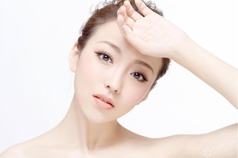 光子嫩肤治疗后可以直接化妆吗