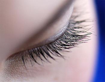 睫毛种植术对于眼球的伤害大吗