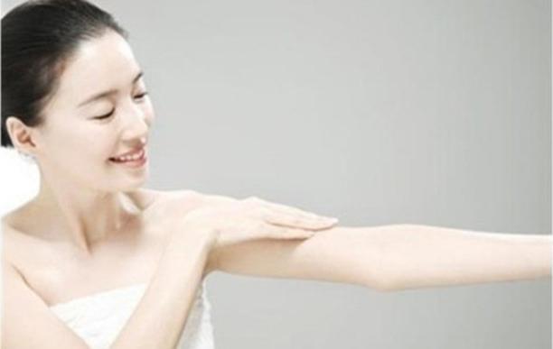 激光手臂脱毛会导致毛发坚硬吗