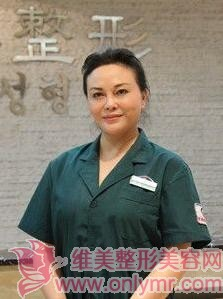 """张娟双眼皮手术医生--美容界享有蓉城""""张眼皮""""之美誉"""