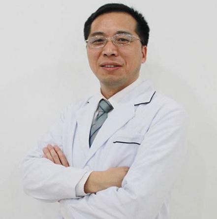 陈兵医生在吸脂手术上被誉为美丽之星。