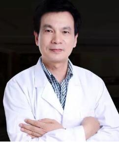详谈隆胸费用和隆胸假体及医生的关系