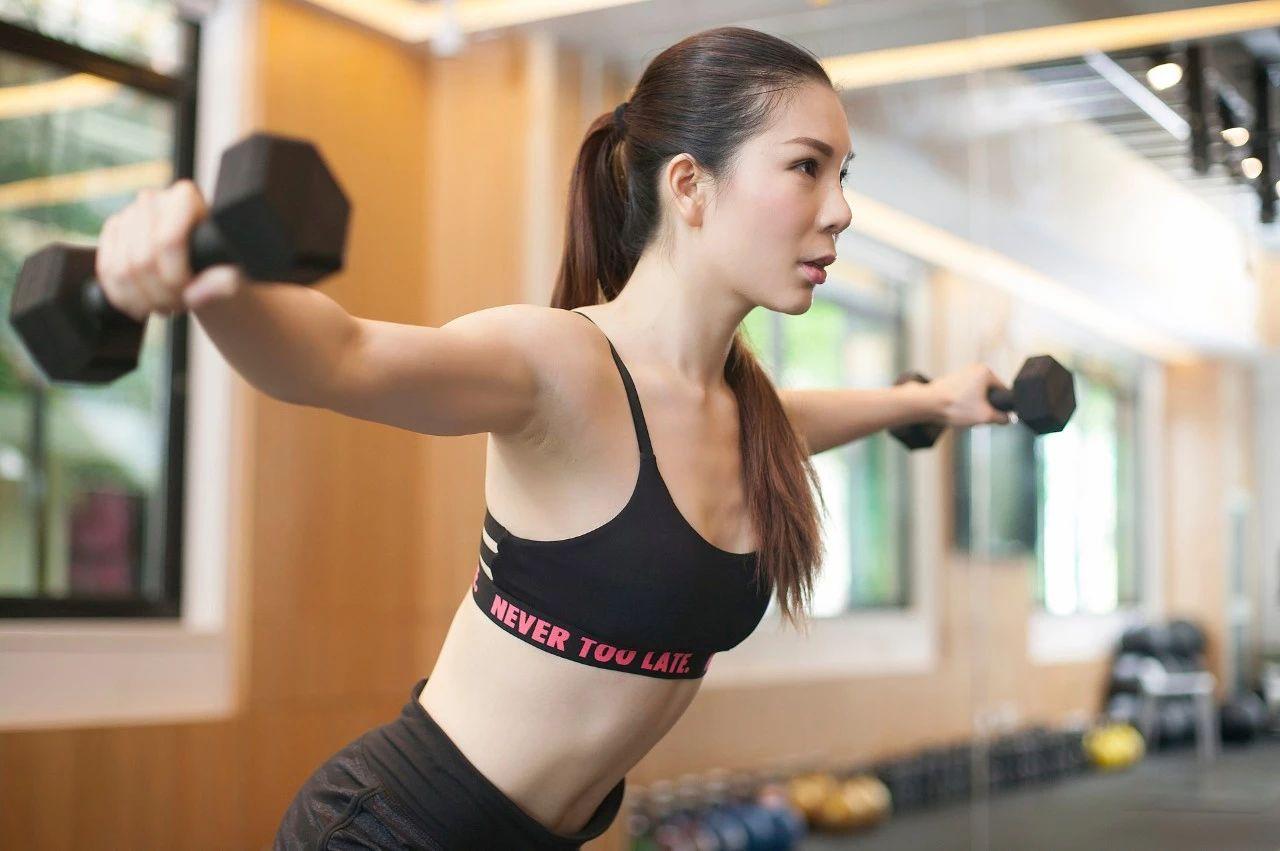 我们女性在健身前,为什么医生建议我们要卸妆?