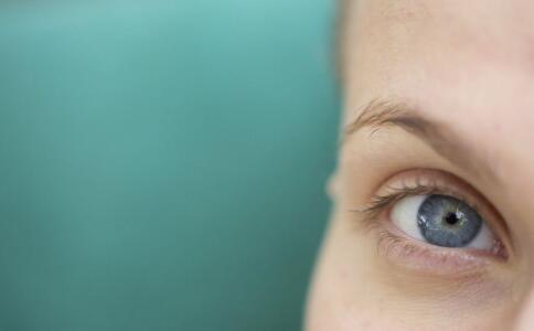 教你如何吃来对于改善近视