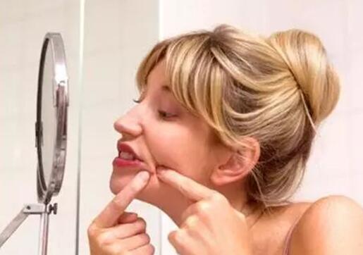 黑头、雀斑想要去除换成一张干净的脸可以用这些方法