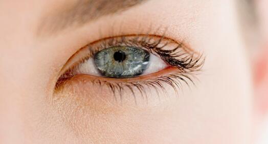 要让眼睛变得好看选择埋线双眼皮
