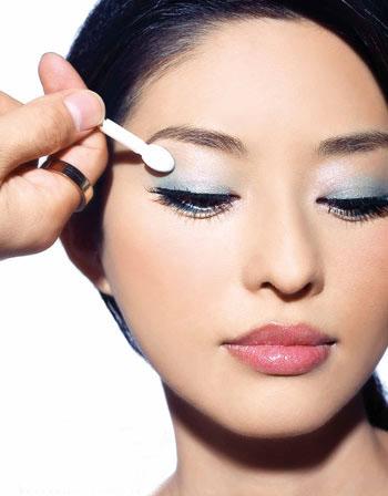 福州双眼皮专家解答:做双眼皮手术会不会留下疤痕?
