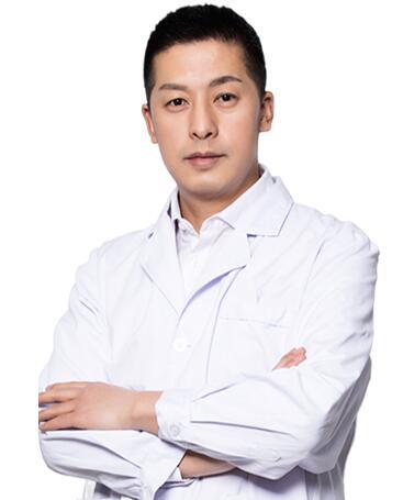 整形医生 李兆鹤