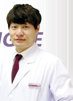 整形医生 刘星赫