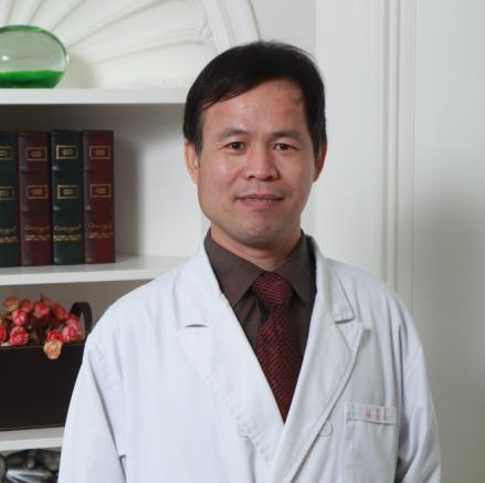 整形医生 刘肖平