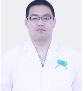整形医生 李永峰