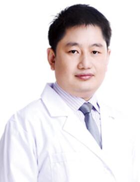 整形医生 李信峰