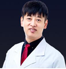 整形医生 刘家贺